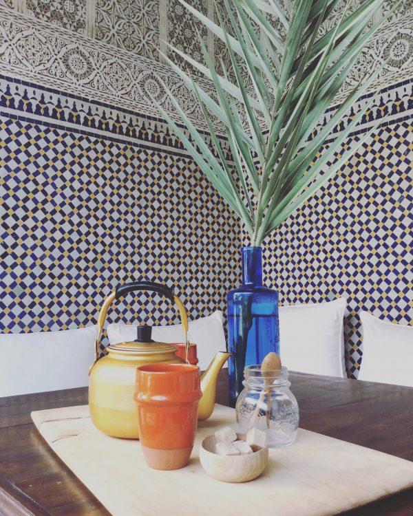 Tee in einem typischen Riad